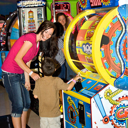 Boondocks - Mom & Son Playng In Arcade